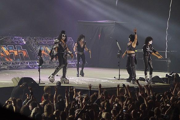 Nu slutar rockgruppen Kiss att turnera. Efter 2 600 konserter och 45 år i branschen så ger de sig under 2019 ut på den sista turnén runt världen under ett par års tid. Foto Peter Ahlborg