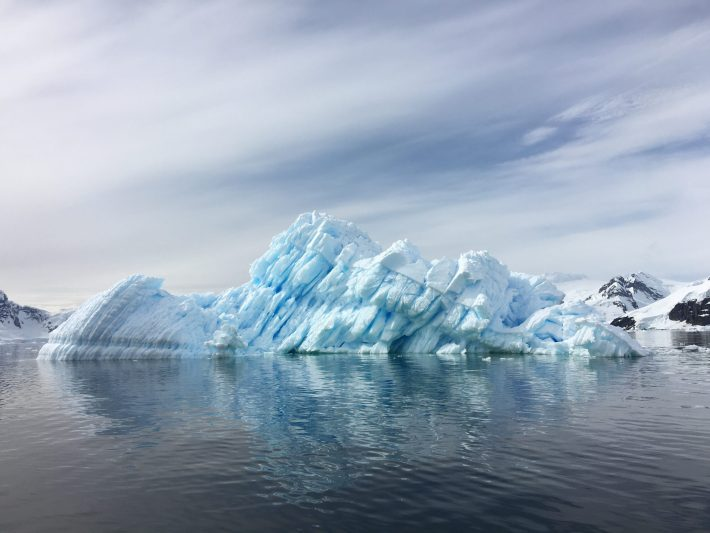 An iceberg's melt rate depends strongly on its shape below the water.