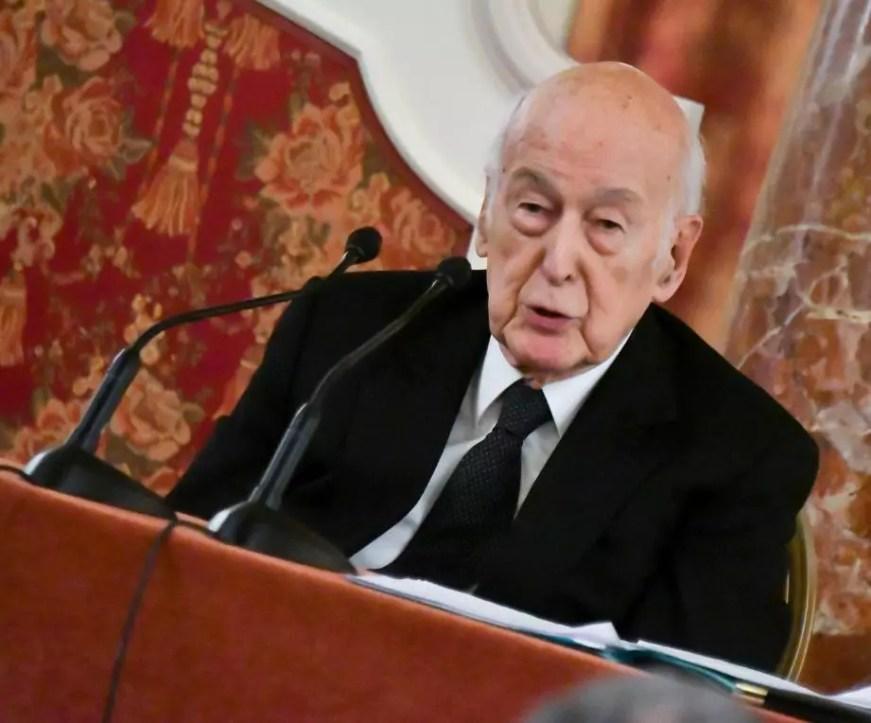 L'ancien Président Valéry Giscard d'Estaing hospitalisé à ...