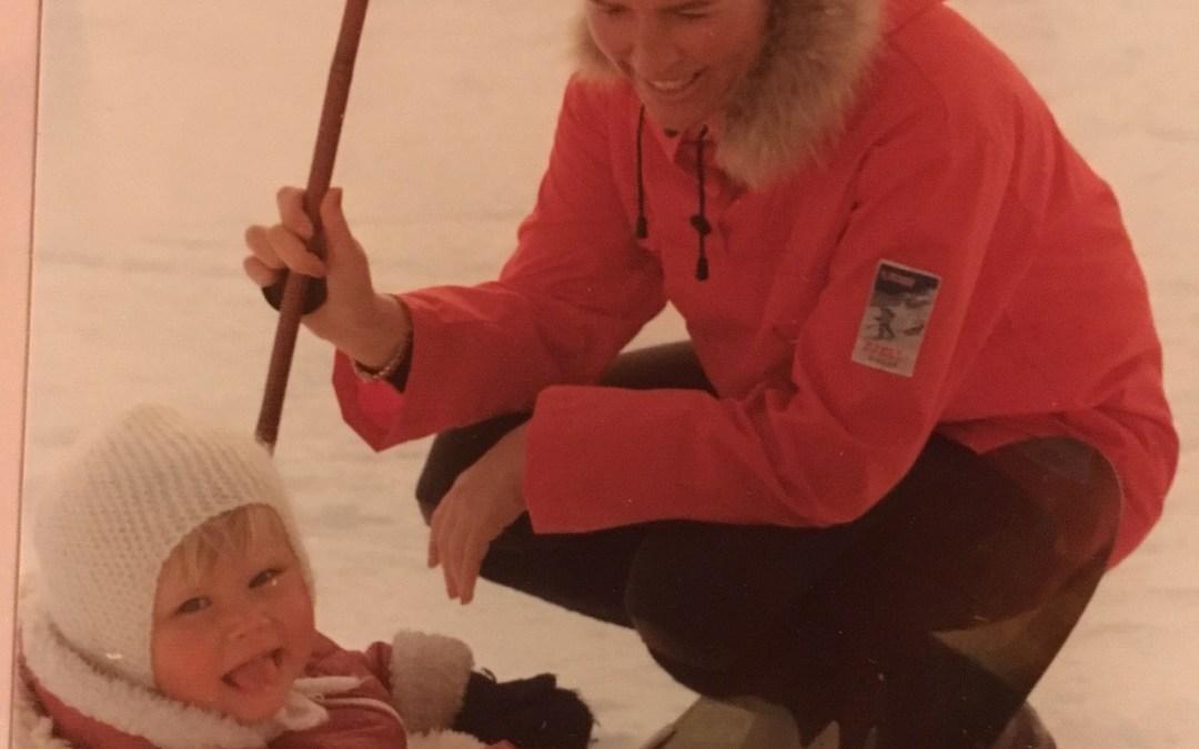 På skitur med barn i pulk