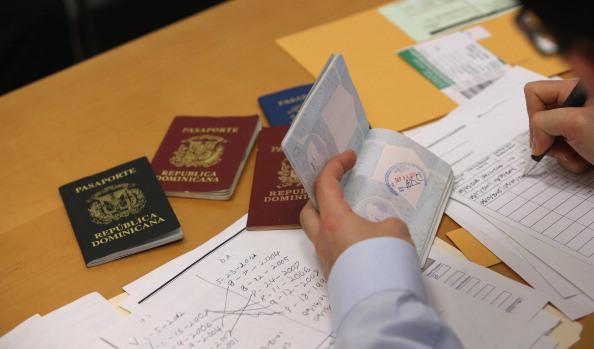 タイで働く外国人パスポート