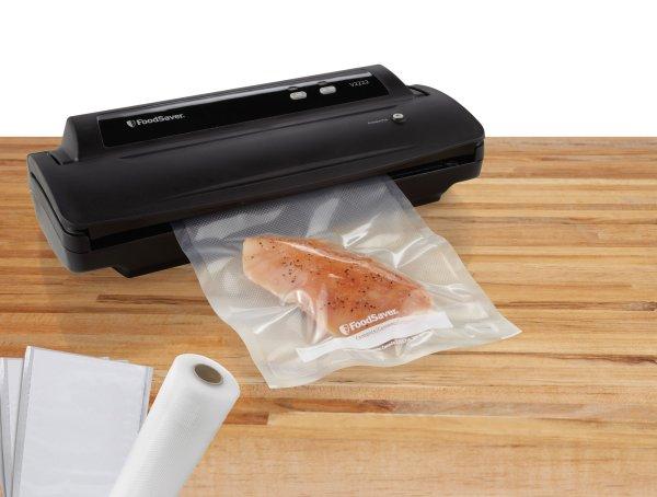 Foodsaver Fsfssl2222-p15 Vacuum Food Sealer & Starter Kit - Yendradefrian0223