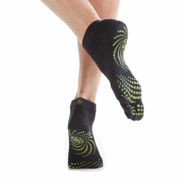 Gaiam Yoga Socks Dot Pattern Vary Sports & Outdoors
