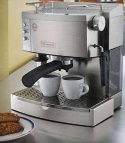 Pump Espresso Maker from DeLonghi