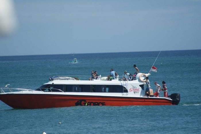 Surf Camp Indonesia G-Land Joyos - Fast Boat 003