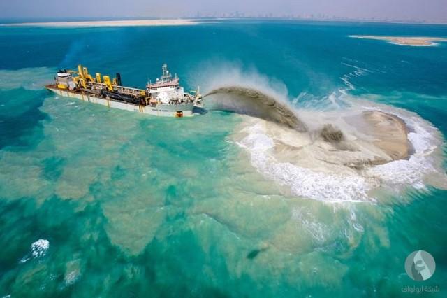 أثناء إنشاء جزيرة النخلة في دبي