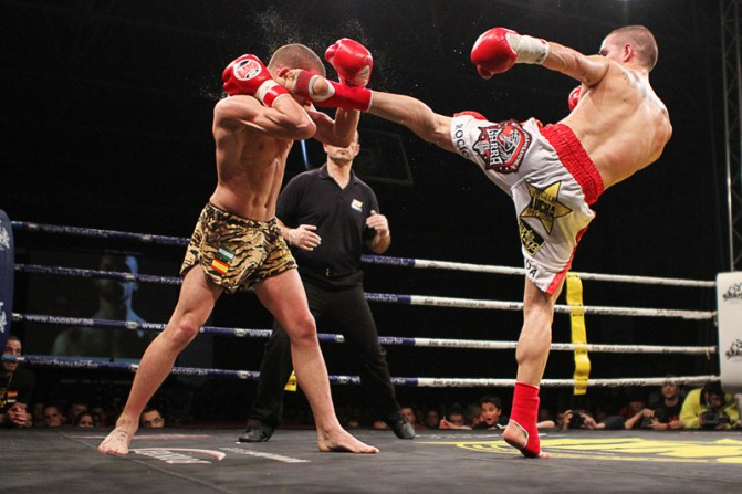 https://i0.wp.com/g.cdn.ecn.cl/artes-marciales/files/2015/05/kickboxing.jpg?resize=671%2C447