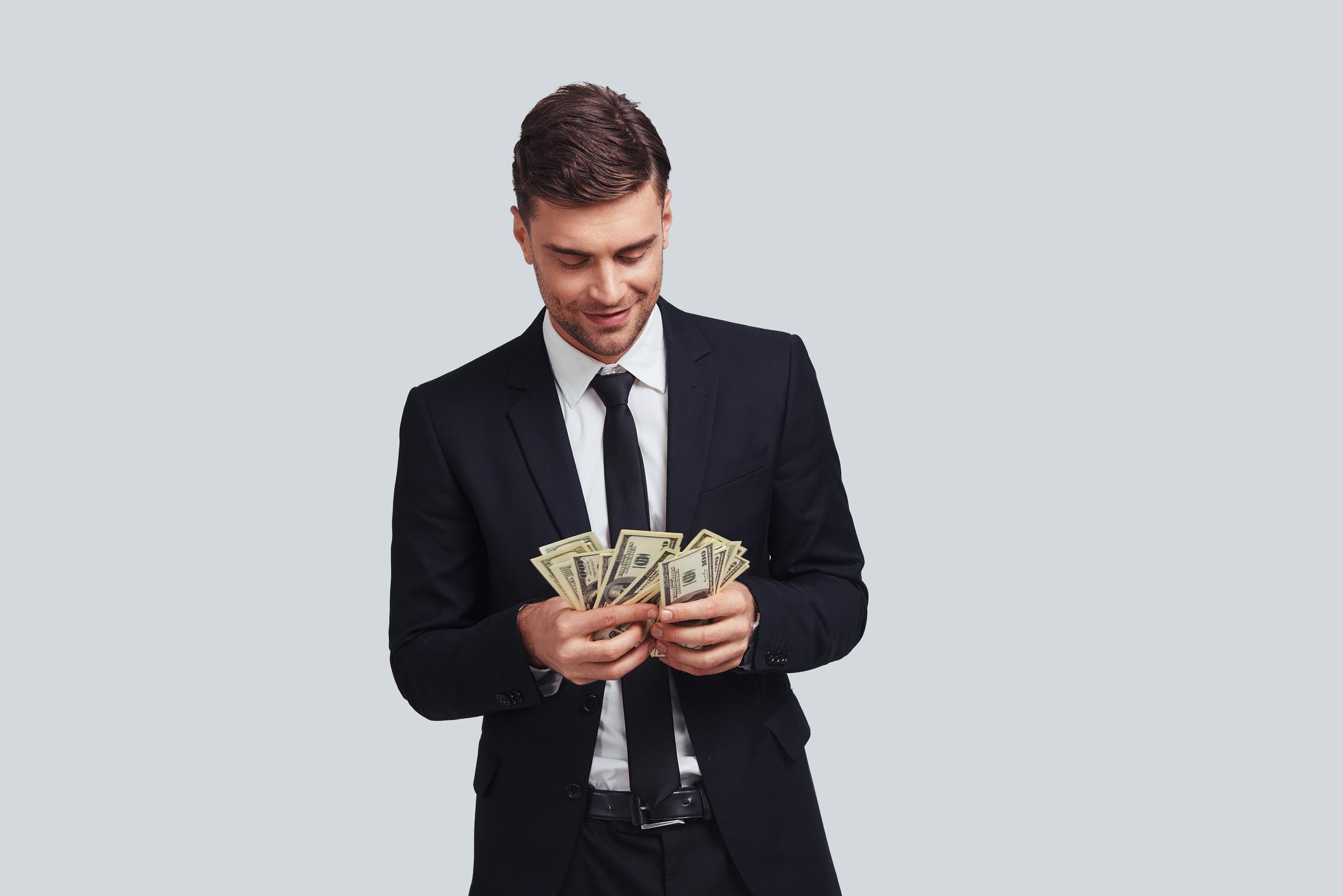 4 Tricks Billionaires Use To Make Their Money Work For