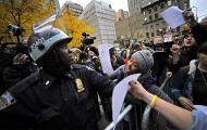 """Policja likwiduje obóz ruchu """"Okupuj Wall Street"""" na Mahattanie"""
