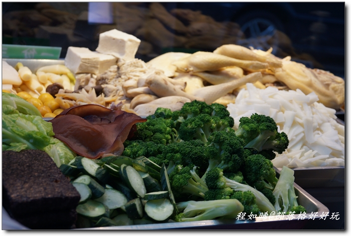 公館隱藏版巷弄美食小吃》高纖蔬菜冰鎮脆皮鹹水雞 - 程如晞@部落格好好玩 - udn部落格