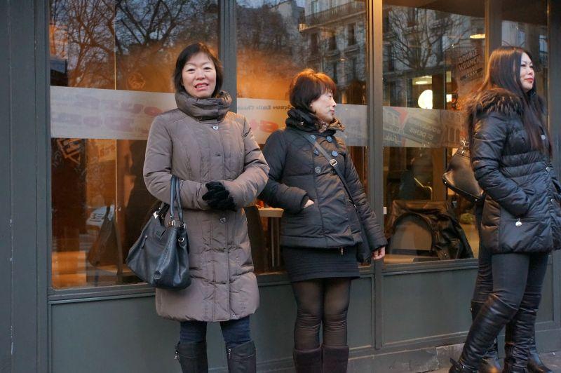 在巴黎街頭站街賣淫的中國婦女 陣容龐大 - 臺論之星