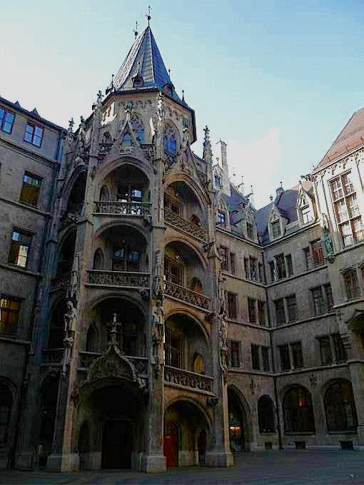 慕尼黑瑪麗恩廣場~市政廳塔樓頂上鳥瞰城區 - shine的幽美幻境 - udn部落格