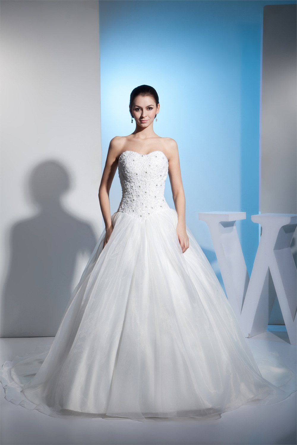 New Arrival Wedding Dress 2015 Sweetheart Lace Appliques Elegant Cheap Wedding Gowns Bridal