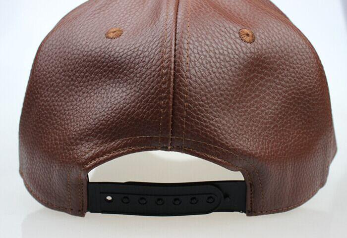 Alta calidad otoño invierno los hombres de cuero del sombrero del casquillo  del snapback del sombrero gorra de béisbol de los hombres al por mayor de  2018 ... d335b0ba9aa