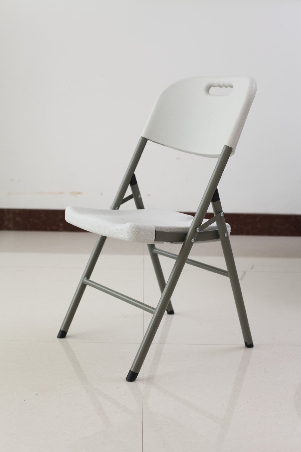 plastic folding chairsin Folding Chairs from Furniture on
