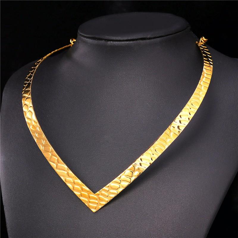 Medium Size Brilliant Bijou Gauge Polished Nameplate Personalized Necklace