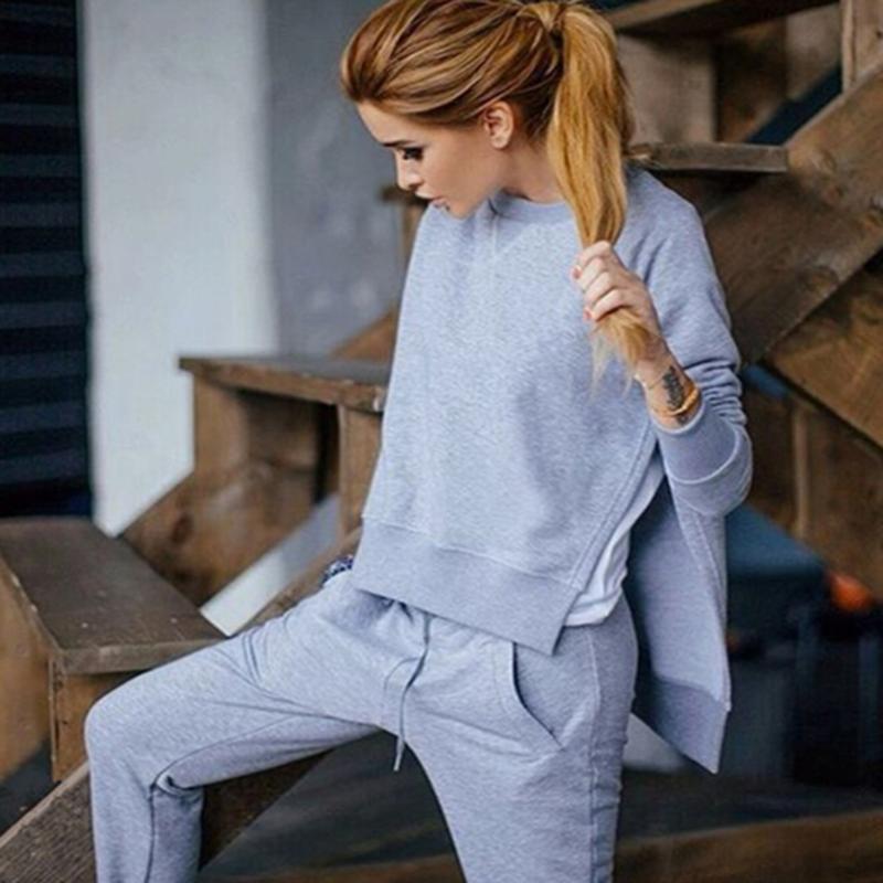 2017 Autunno Inverno Donna Cotone Tuta 2 Pezzo Set Solido Abbigliamento  Sportwear Tuta Donna 35a0cfa0ee3