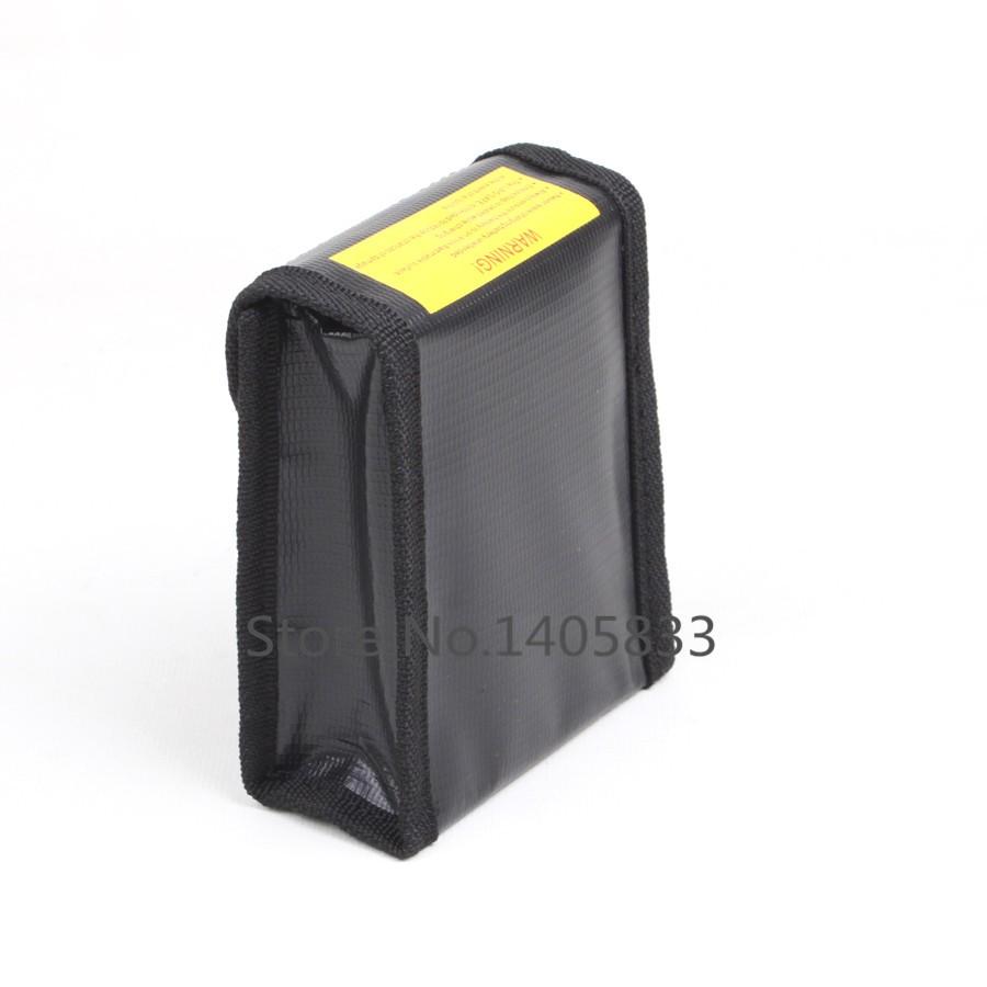 Гарантируйте, что клапан запечатан во время зарядки. Безопасная сумка LiPo  предназначена для уменьшения вероятности повреждения в случае пожара LiPo. f4068aaf4ce
