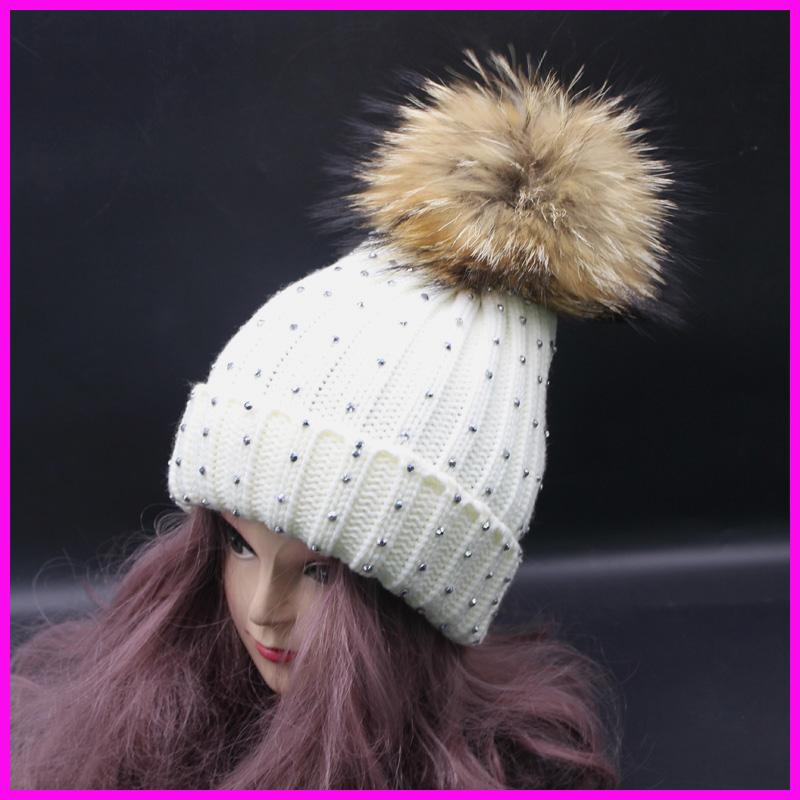 03969a2664b3 ᓂHiver Femelle Tricoté Bonnets Avec Perle 100% Réel Raton Laveur 15 ...