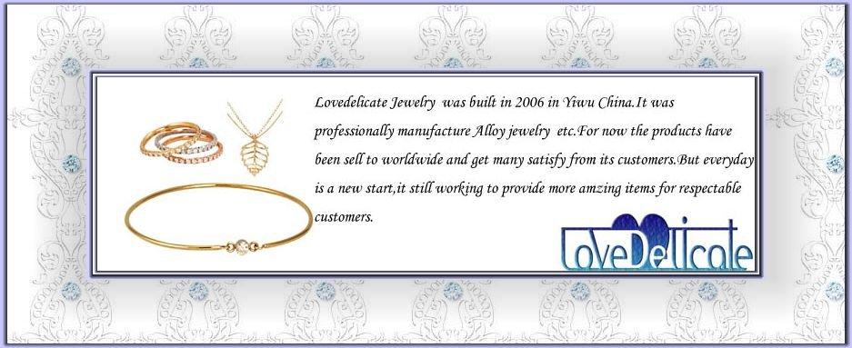 une carte A4M5 comprenant une Chaîne Pince 3 pcs mini bijoux Making pinces ensemble