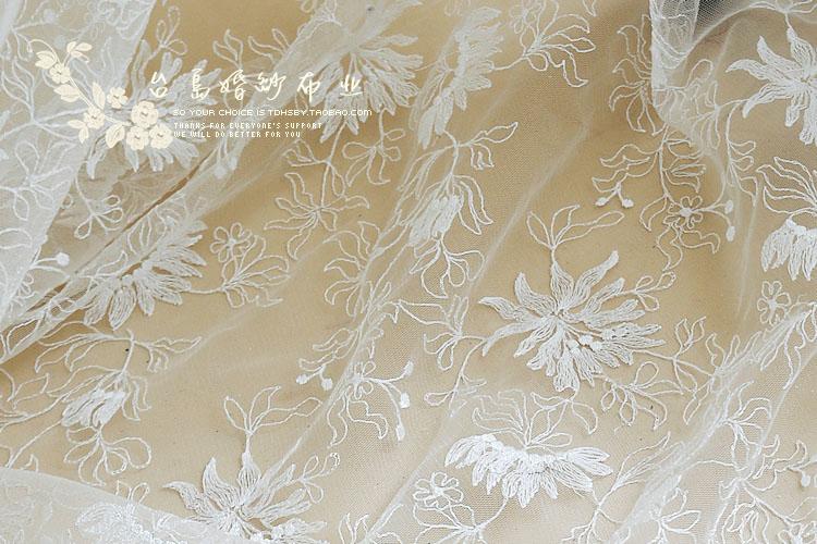 ΞBordado tela de encaje marfil vestido de alta costura del cordón ...