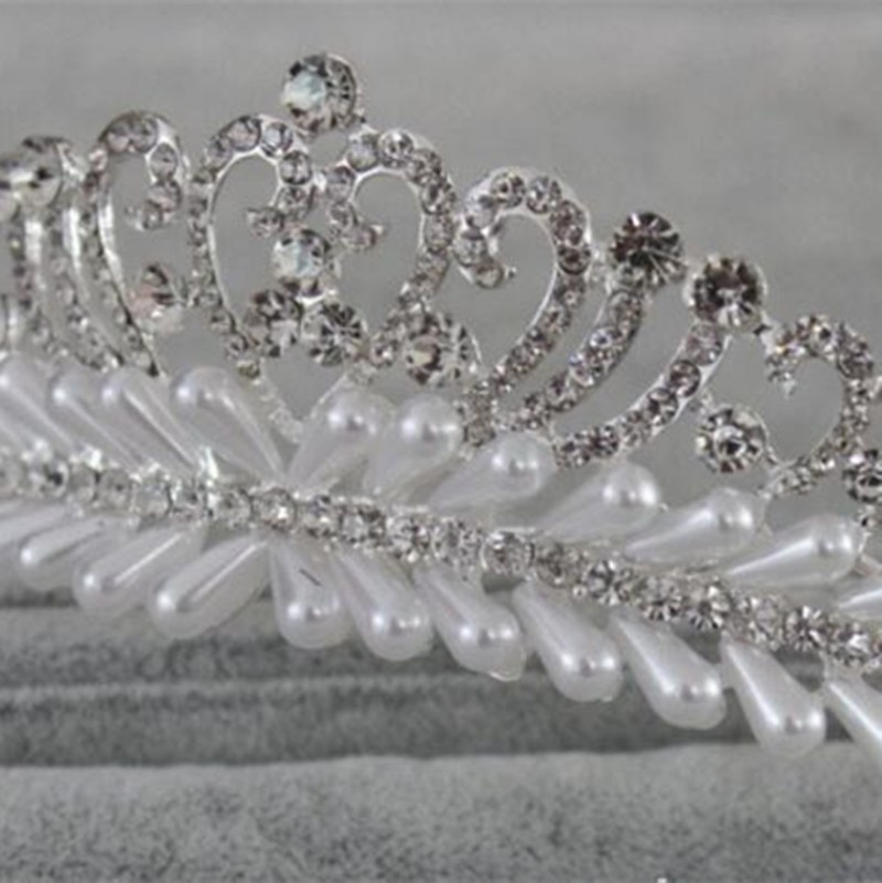Fascinating Bridal Crystal Tiara Wedding Hair Accessories Jewelry Tiara And  Crowns combHeart Flower MYQC011 a20c98d214a1