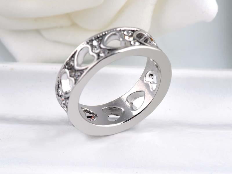 368873f7e43d8 Moda Do Amor Do Coração Anéis Com Cristal Austríaco Strass Branco Rosa de  Ouro-cor Unisex Anel Jóias Dia Dos Namorados presente