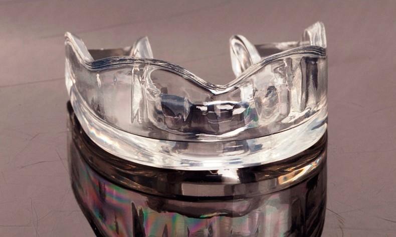 636bbec2a973e ✓Esportes profissionais Dentes de Borracha Transparente Protetor de ...