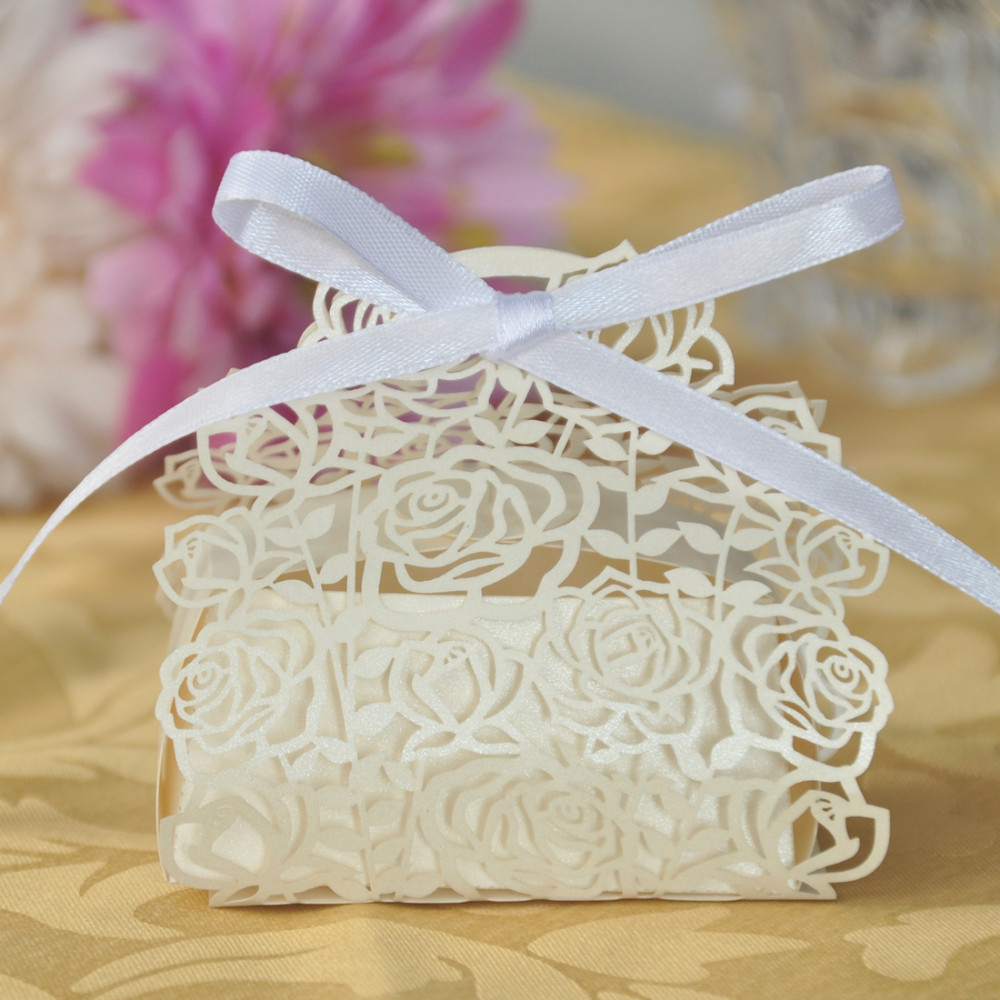 ᗑ】60Pcs/set Rose Laser Cut Hollow Carriage Favors Boxes Gifts ...