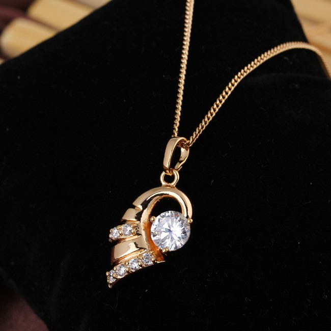 En gros Délicat Conque Jaune Or-Couleur Clair Rond Cubique Zircone  Pendentif Femmes Collier Pas de Nickel d5287b535d06