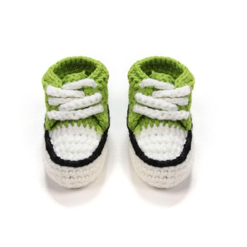 Multicolor zapatos del pesebre del bebé de punto hecho a mano de ...
