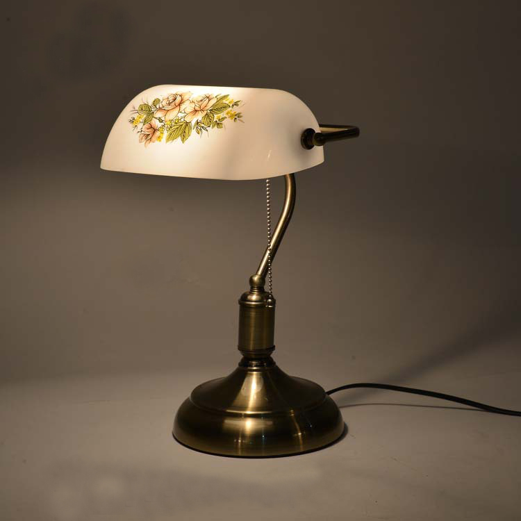 High grade American style Retro table lamp with pull chain