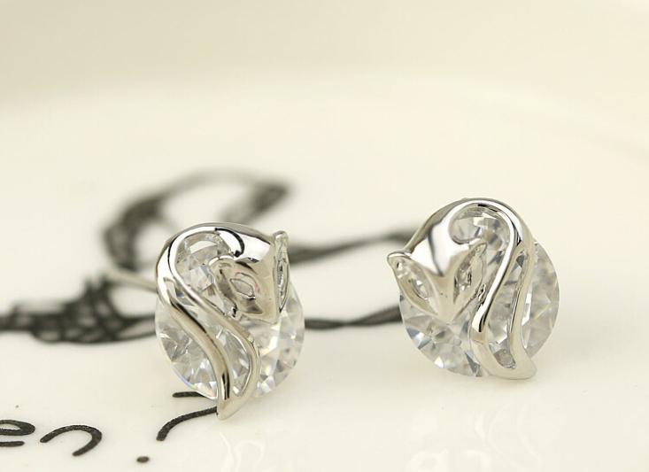 652498f2795d OMH venta al por mayor moda 18 kt oro blanco amarillo oro hebilla forma  mujer regalo collar + pendientes + anillo + pulsera joyería conjuntos tz79