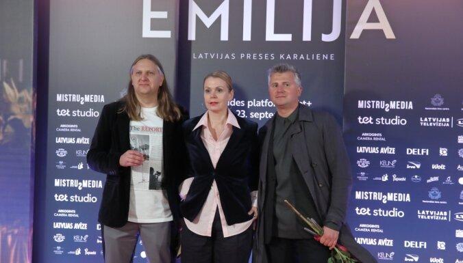 Foto: Luxuriös wie zu Benjamins Zeiten - der Film 'Emilia.  Premiere der Königin der lettischen Presse