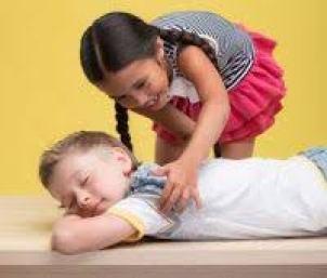 """Resultat d'imatges per a """"niños masajes"""""""