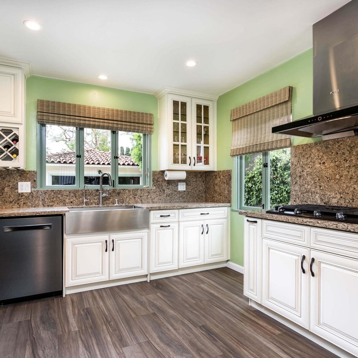 10 Budget Kitchen Ideas with White Shaker Cabinets in 2020   Best Online Cabinets