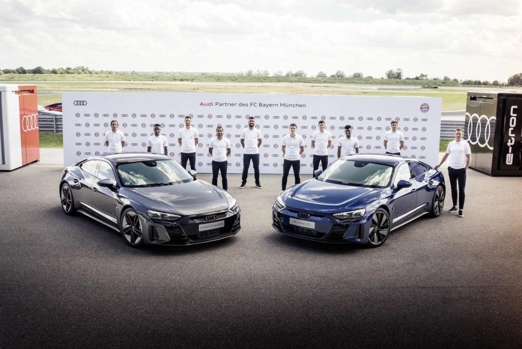 Jogadores do Bayern de Munique recebem Audi e-tron GT