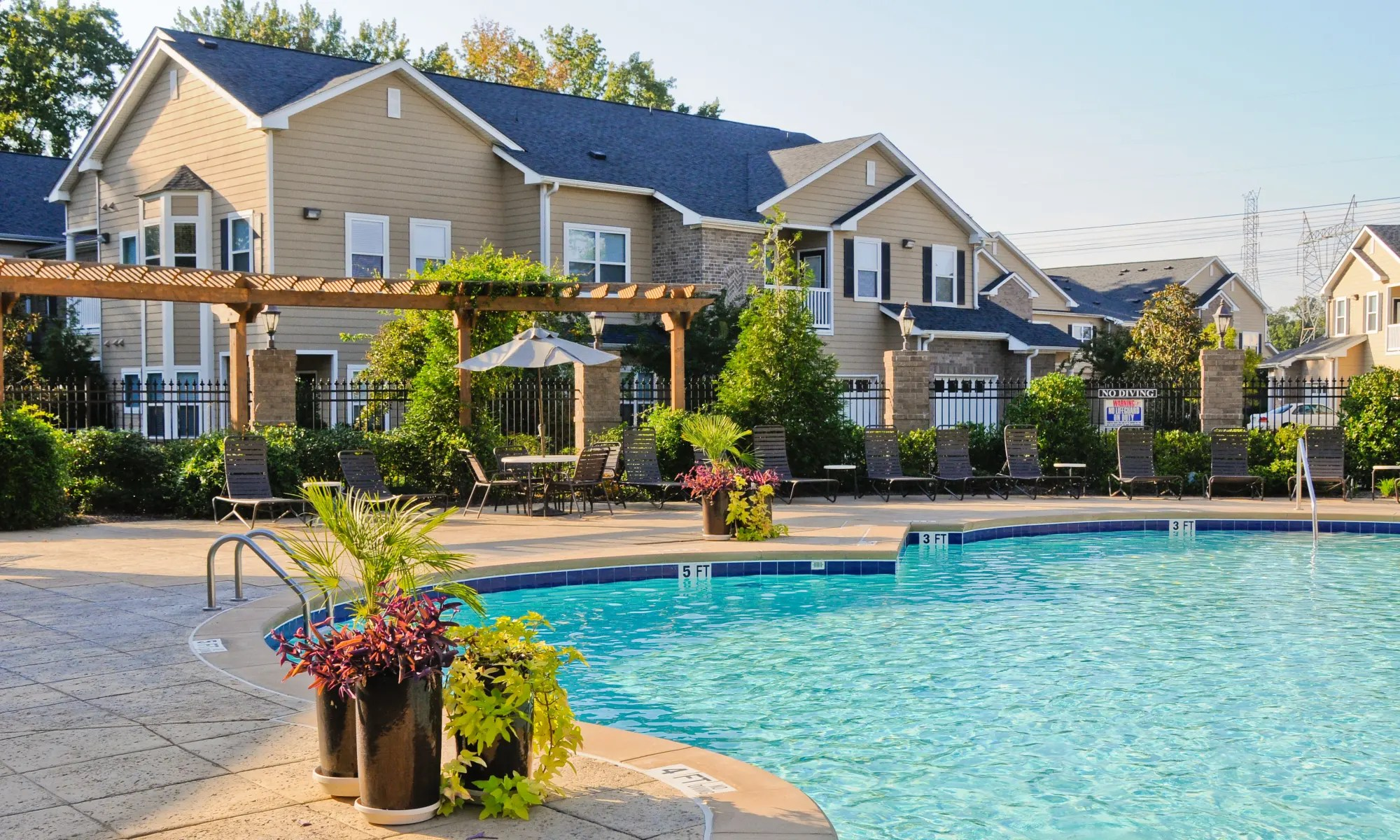 Lenow Cordova, TN Apartments for Rent near Lakeland