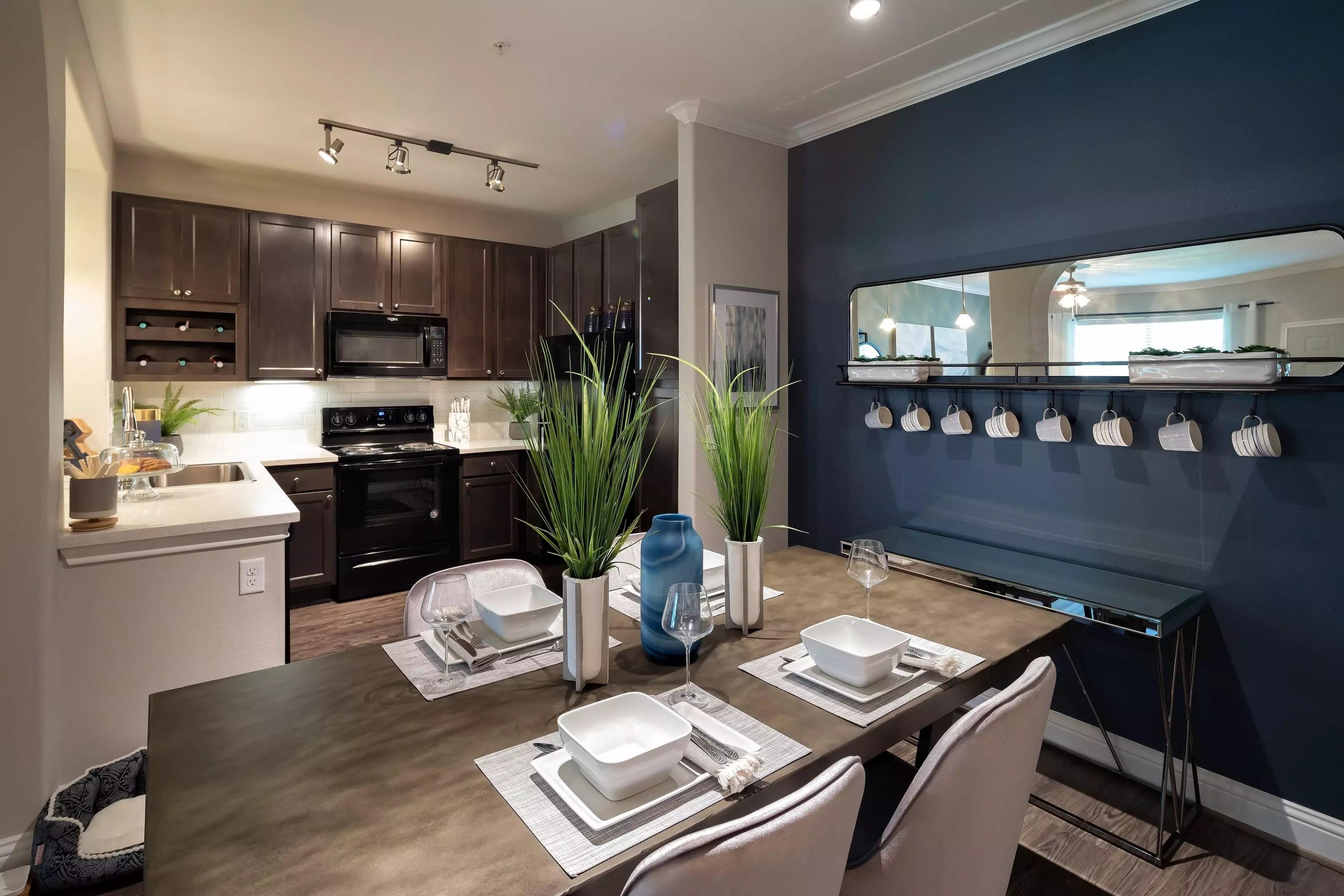 Luxury 1, 2 & 3 Bedroom Apartments in Katy, TX