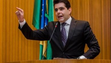Foto de Adriano acusa mais um golpe contra os servidores públicos