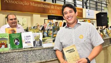 Foto de Vereador Osmar Filho aprecia o maior evento literário da cidade