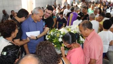 Photo of Muita emoção durante enterro da Prefeita de Guimarães-MA