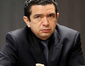 Foto de Juiz Douglas de Melo Martins decreta nova derrota a EDH