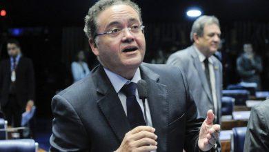 Foto de STF na cola do senador Roberto Rocha (PSDB)