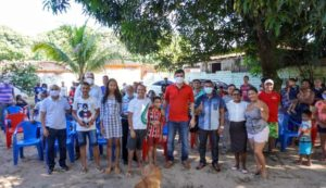 Foto de Osvaldo Muller e Rubens Jr reúnem moradores da comunidade Vila Colier