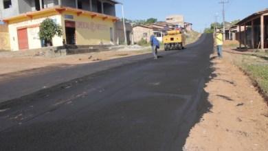 Photo of Prefeito Zé Martins pavimenta ruas do bairro da Cidade Nova