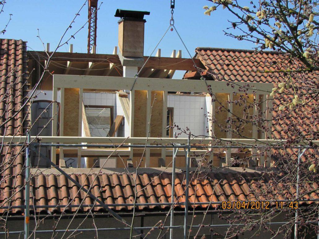 Dachfenster Balkon Gaube Balkon Und Balkongelaender Aus Holz