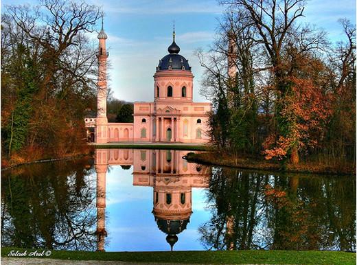 Masjidka-Schwetzinger-ee-ku-yaal-Germany