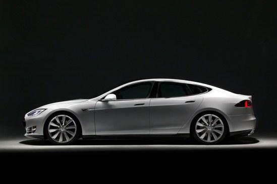 Lado Carro Tesla