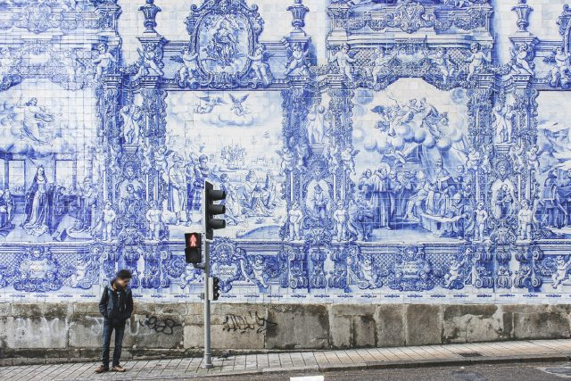 azulejos reasons to visit porto Portugal